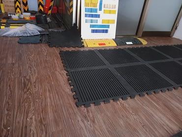 Rubber Flooring Tiles 1